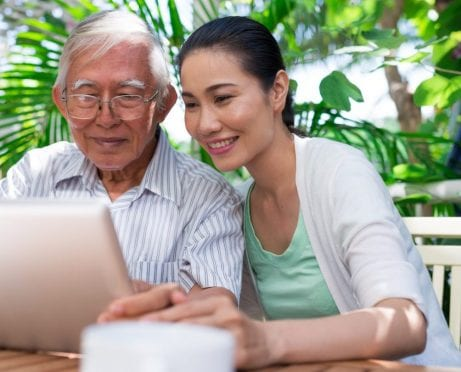 6 Tips to Choose the Best Medical Alert System for Your Loved One